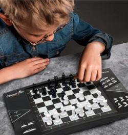 5 причин познакомить ребенка с игрой в шахматы